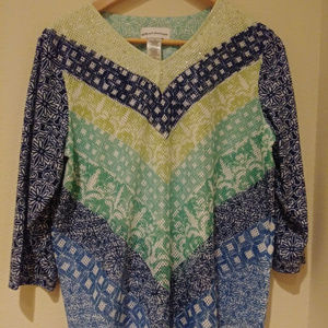 Size medium top,  pre-owned, perfect condition!